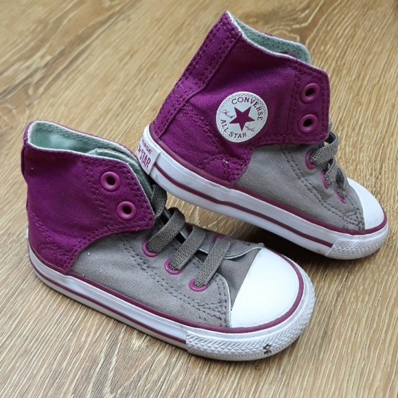 Converse toddler size 7 velcro back sneakers